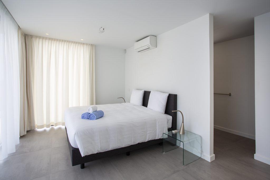 villa dushi bida curacao - 1e verdieping master slaapkamer 1
