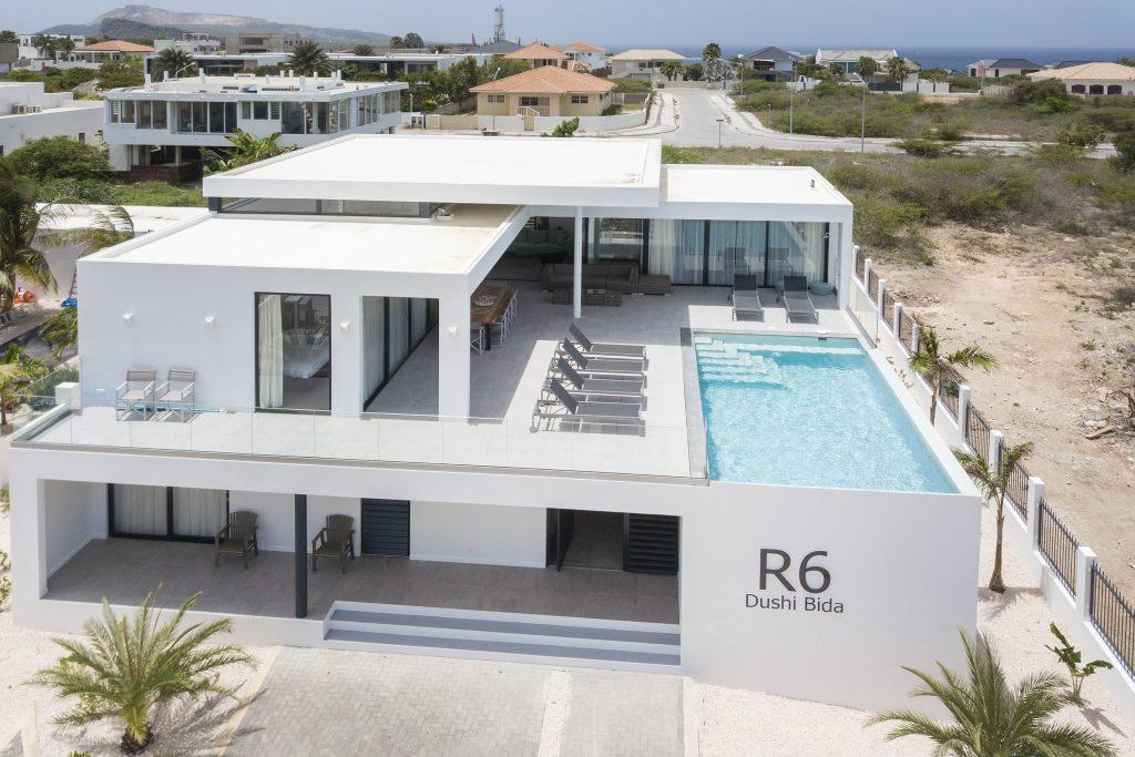 Villa Dushi Bida Curaçao - 1e verdieping outdoor - veranda en zwembad